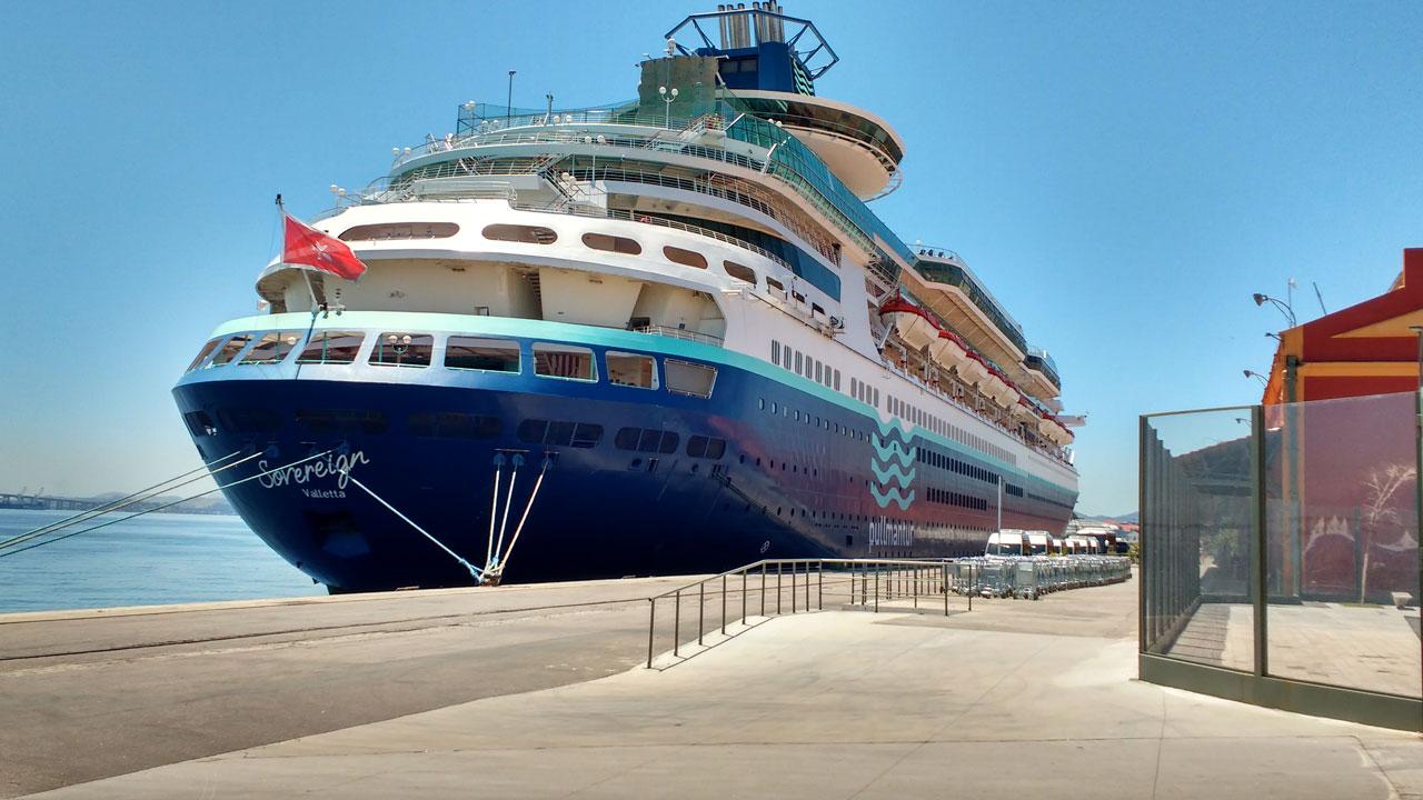 Pier Mauá recebe quatro navios